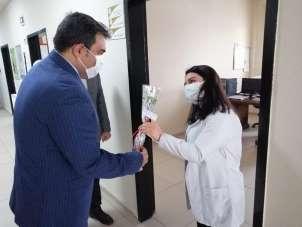Diyadin Kaymakamı ve Belediye Başkan Vekili Balcı sağlık çalışanlarını unutmadı