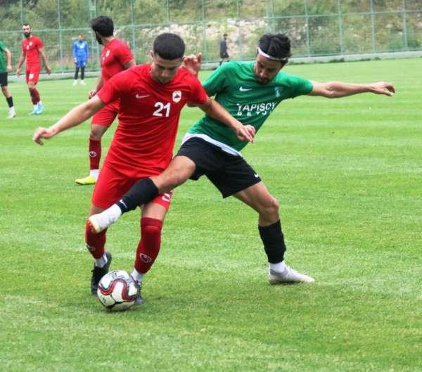 Kocaelispor, hazırlık maçında Çatalcaspor'u 2-1 mağlup etti