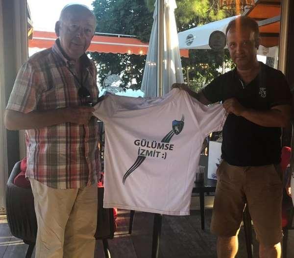 Fatma Kaplan'dan eski Kocaelisporlu antrenöre hediye