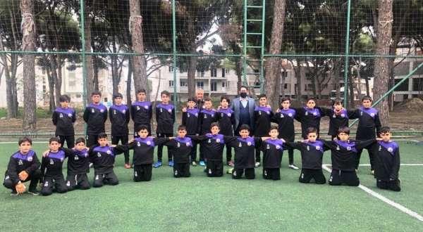 Başkan Alkan'dan Horozköyspor altyapı idmanına ziyaret