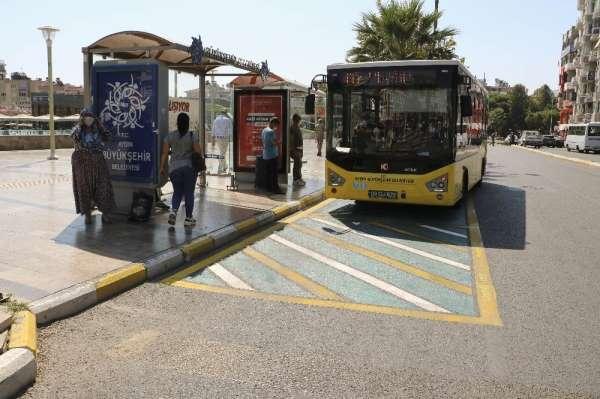 Aydın Büyükşehir Belediyesi, sürücülerin dikkatini uyarı işaretlerine çekti