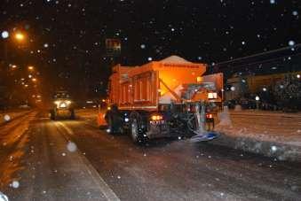 Konya Büyükşehir Belediyesi kar ve buzlanmaya karşı 31 ilçede görev başında