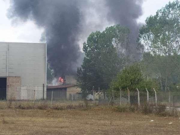 Sakarya'da fabrikanın kazan dairesinde patlama: 1'i ağır 2 işçi yaralı