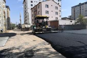 Muş Belediyesin BSK'lı asfalt çalışmaları