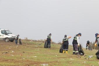 Paraşüt Tepe her hafta baştan sona temizleniyor